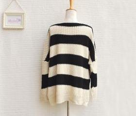 LARGE STRIPS AND TILTED POCKET BAGGY SWEATER 33