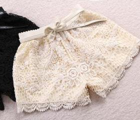 LACE SHORTS WITH CROCHET EDGE AND BOW WAIST [248]