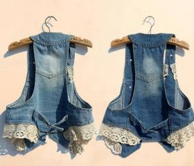 SLEEVELESS DENIM VEST WITH LACE TRIM [271]